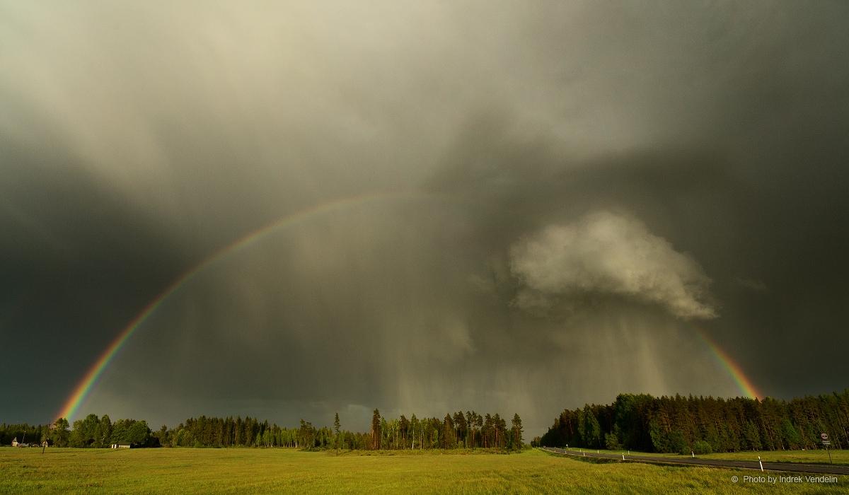 Vikerkaar ja vihmapilv